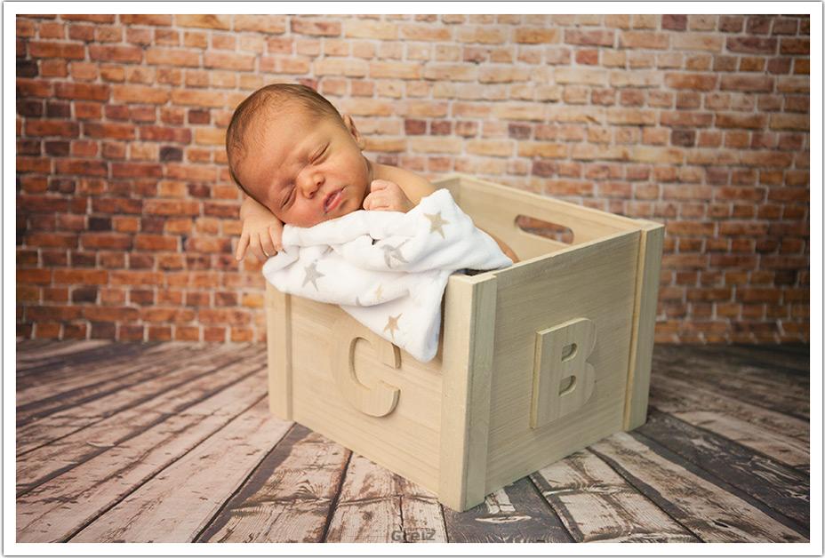 fotografos-santander-cantabria-recien-nacido-marco-marcos-greiz-caja