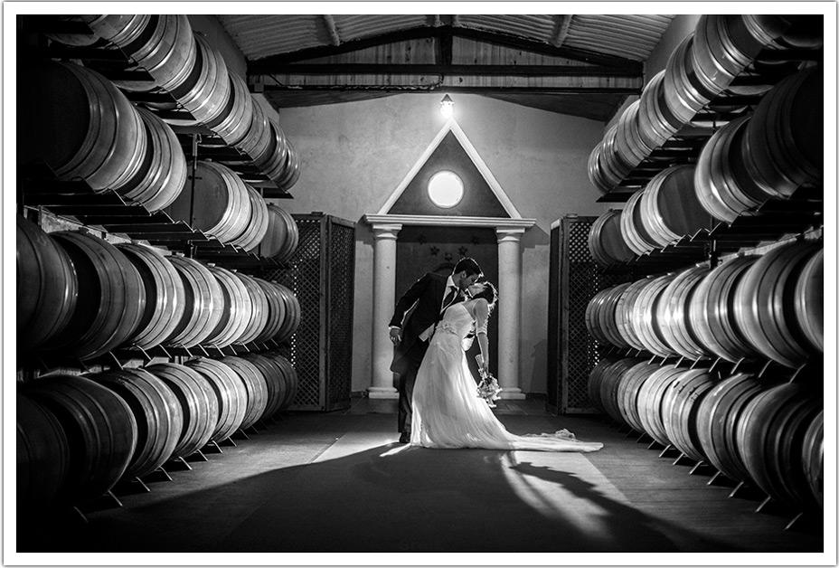 fotografos-boda-valladolid-marcos-greiz-beso-pelicula