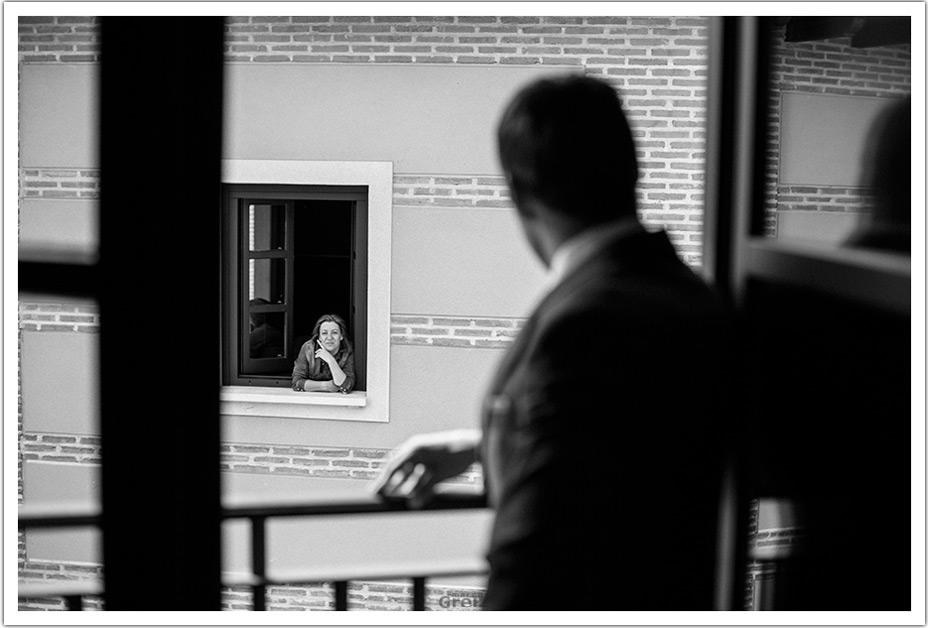 fotografos-boda-valladolid-marcos-greiz-mama-ventana