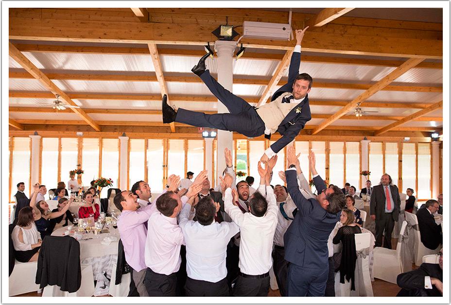 fotografos-boda-valladolid-marcos-greiz-manteo-novio