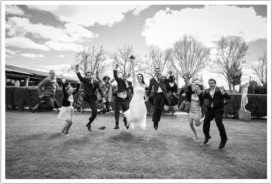 fotografos-boda-valladolid-marcos-greiz-salto