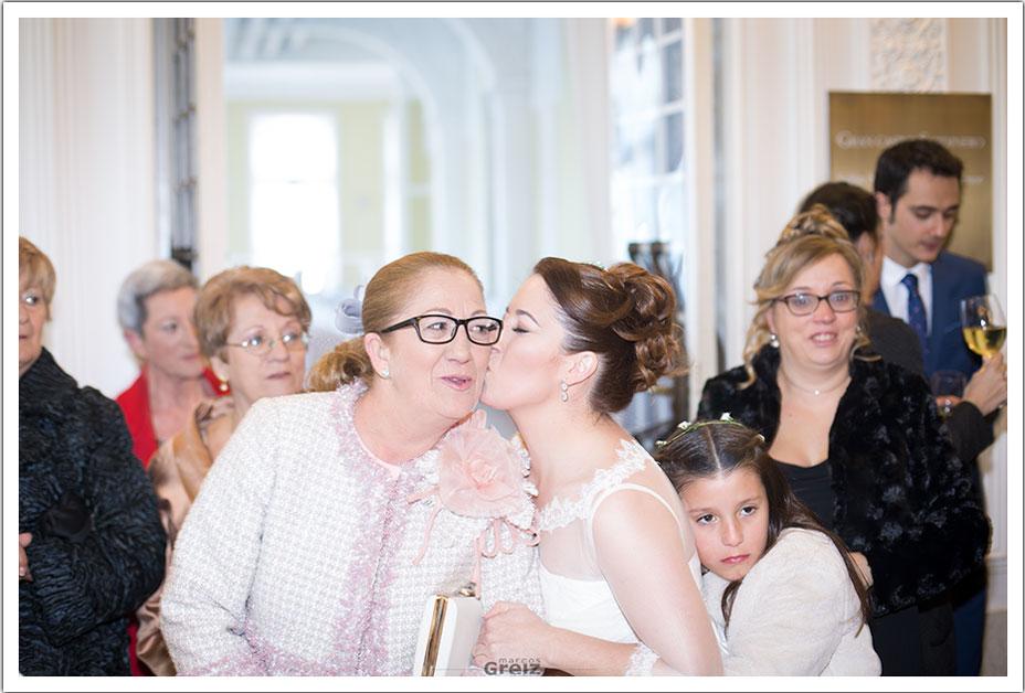 fotografos-bodas-santander-rya-beso-mama