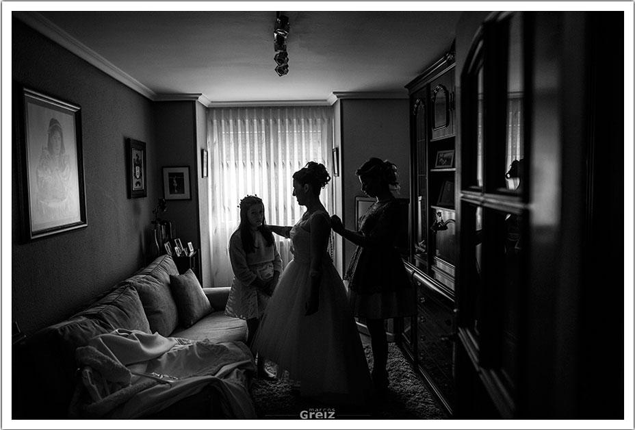 fotografos-bodas-santander-rya-novia-vestir