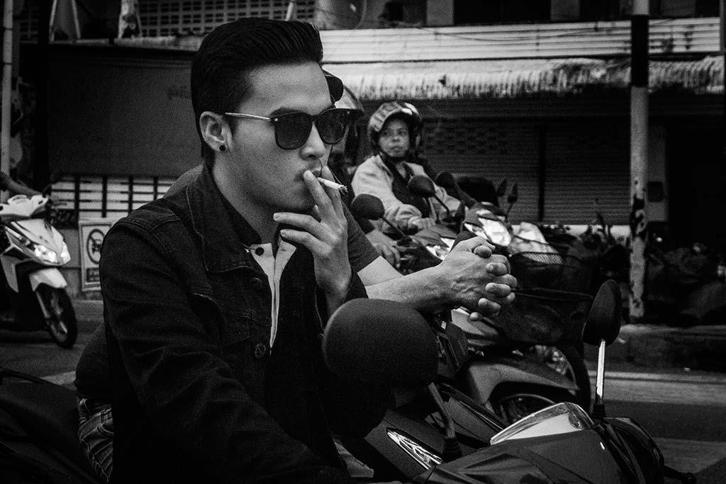 fotografía de viaje Tailandia moto hombre