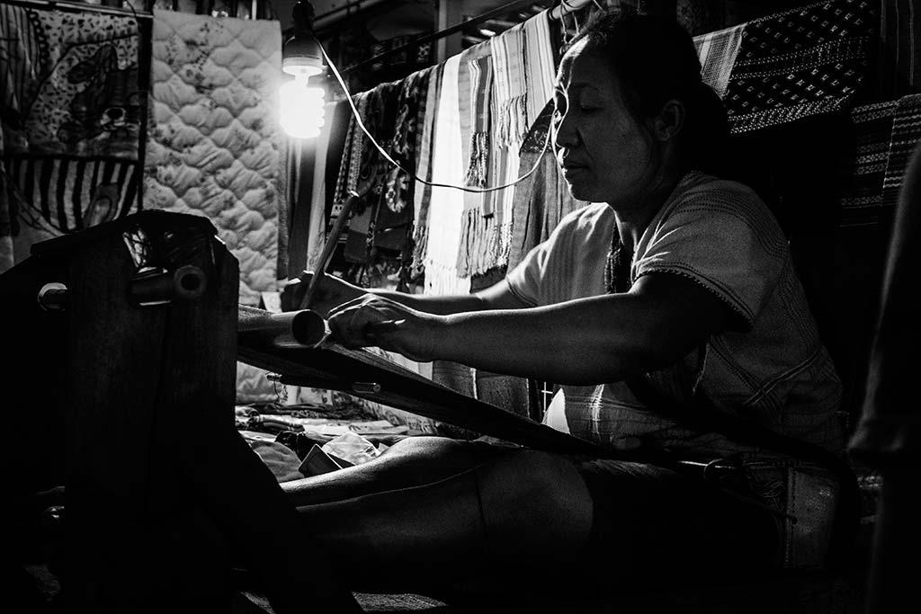 fotografía de viaje Tailandia tejedora