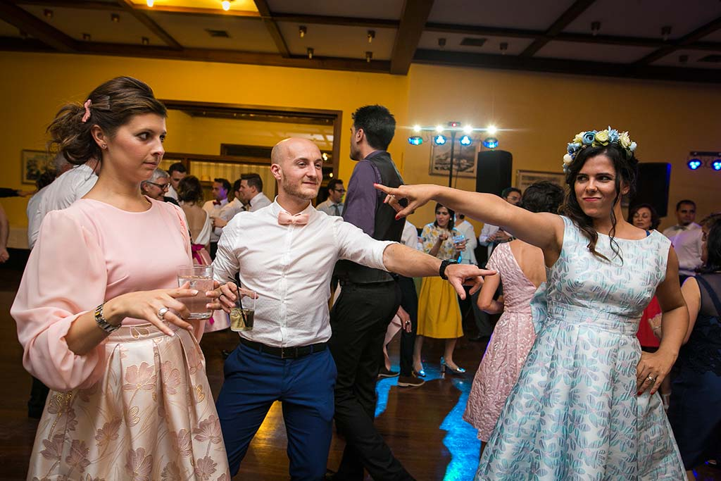 fotografo bodas Laredo Cantabria fiesta