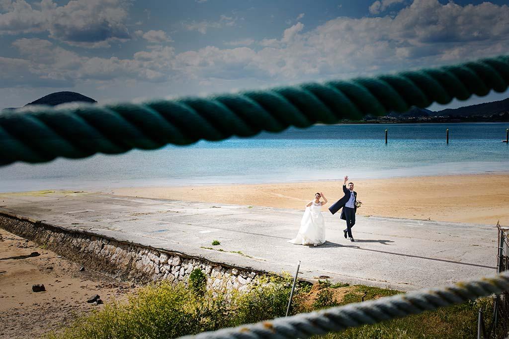 fotografo bodas Laredo Cantabria saludando
