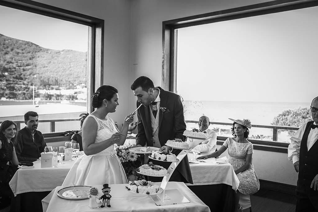 fotografo bodas Laredo Cantabria tarta novios