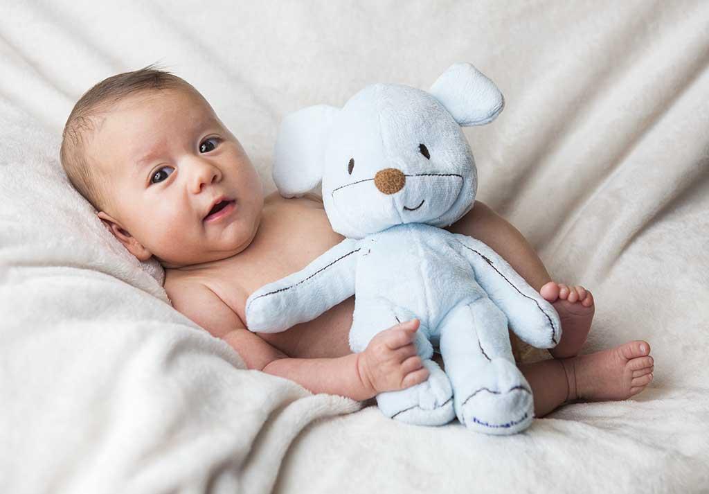 fotos de bebes Damian Marcos Greiz juguete