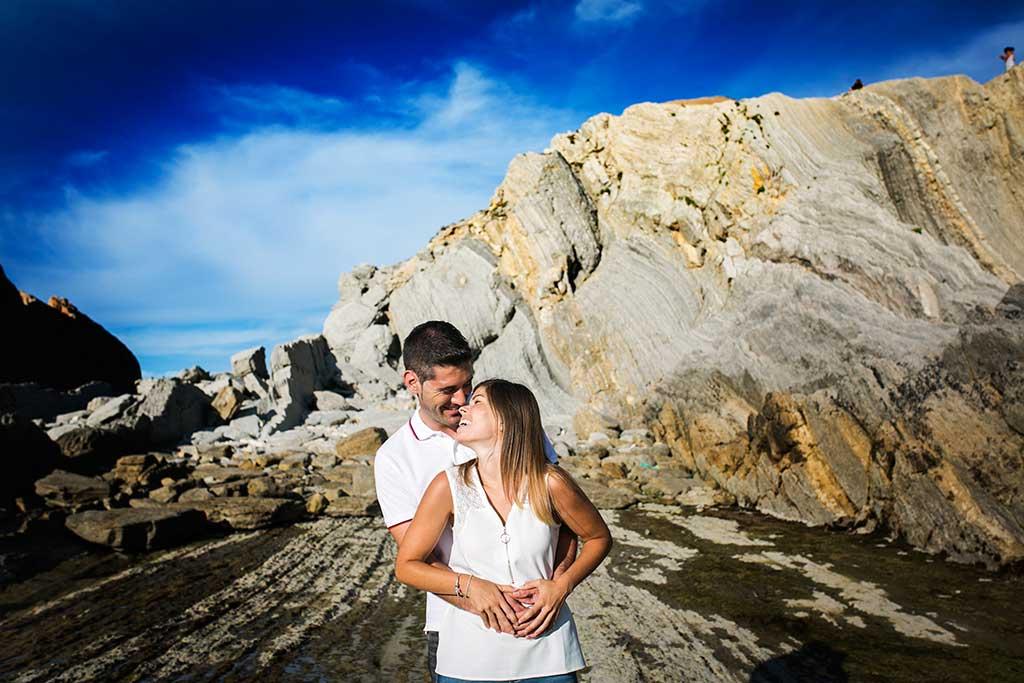 fotógrafo de bodas Cantabria preboda Mario y Carla risas