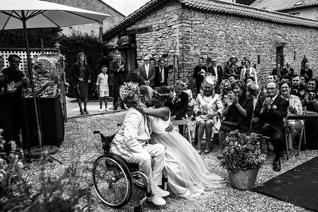 fotógrafo de bodas Cantabria beso novio
