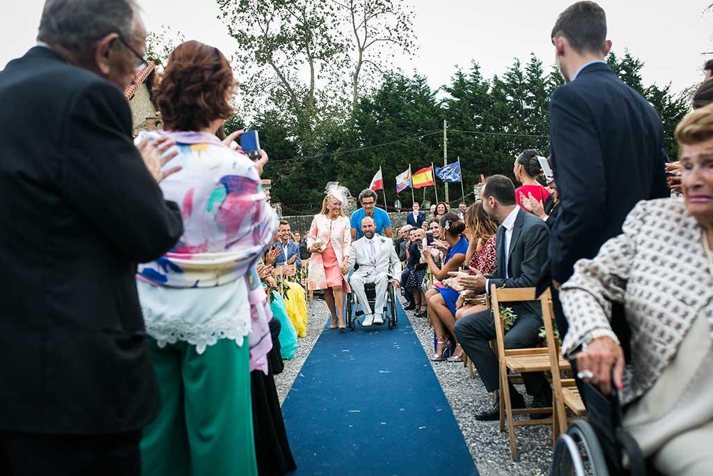 fotógrafo de bodas Cantabria entrada novio