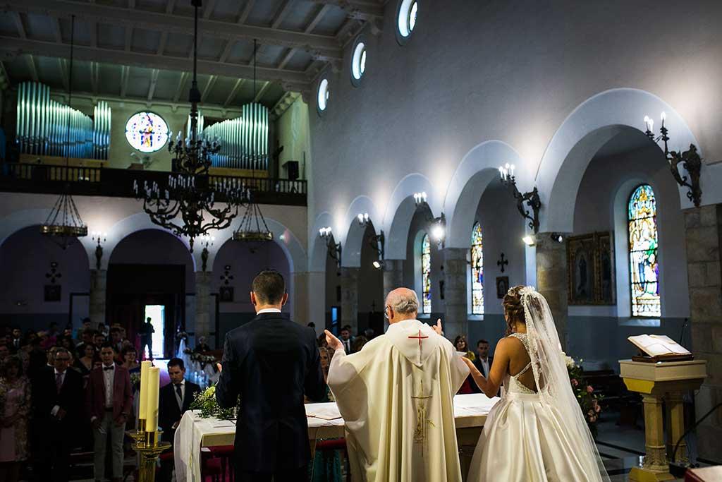 fotografo bodas Cantabria Andrea y Samuel altar