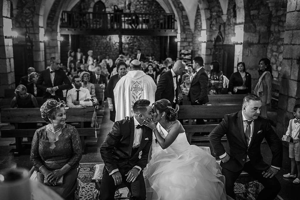 fotógrafo de bodas Santander Sandra y Fran beso ceremonia