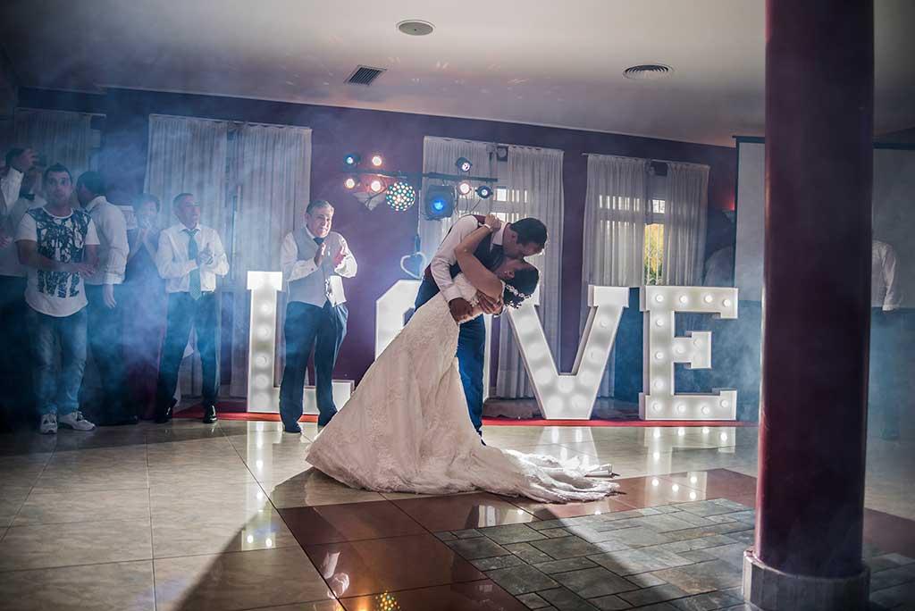 fotógrafo de bodas Cantabria Sara y Luis baile love