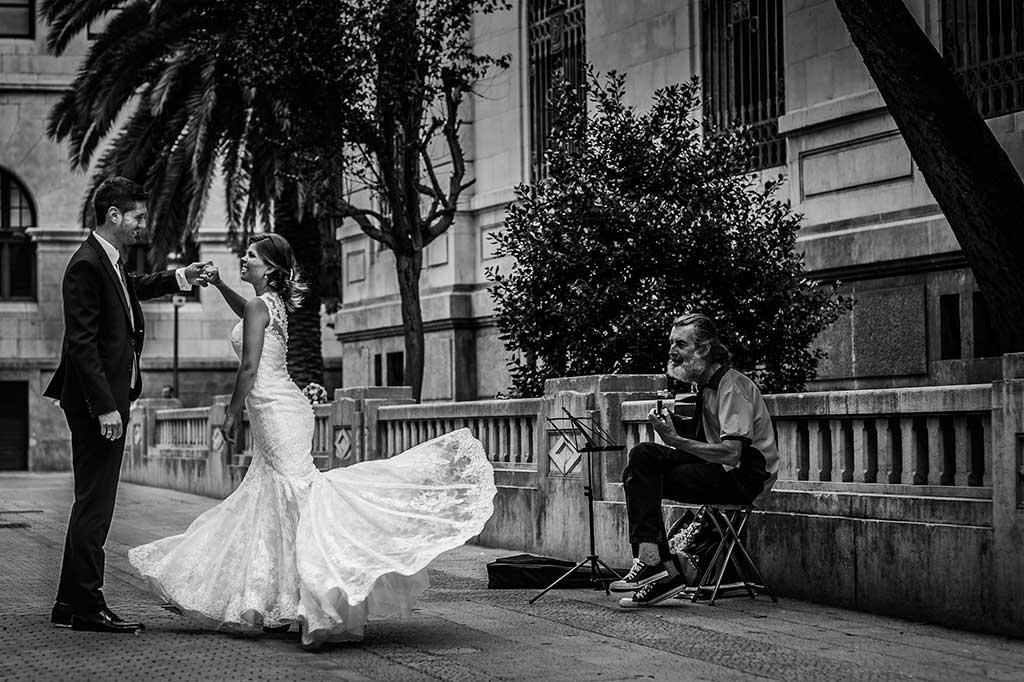 fotografo de bodas Santander Mario Carla baile calle