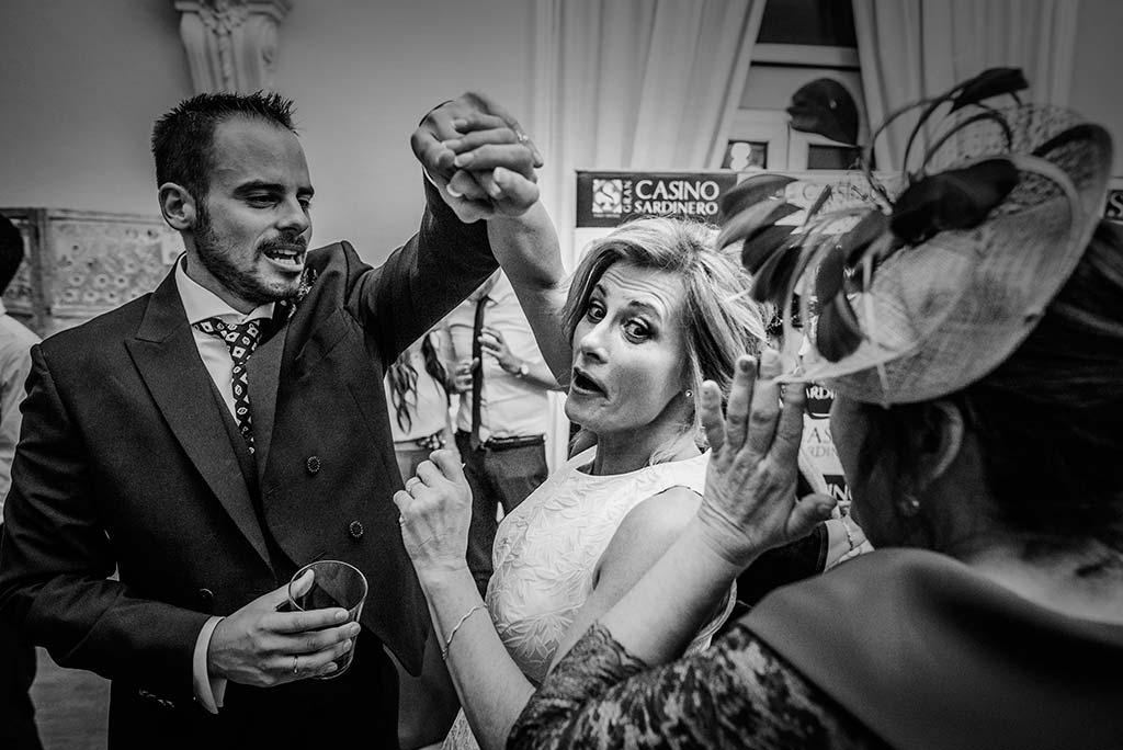 fotografo de bodas en Cantabria Maria y Borja baile mama