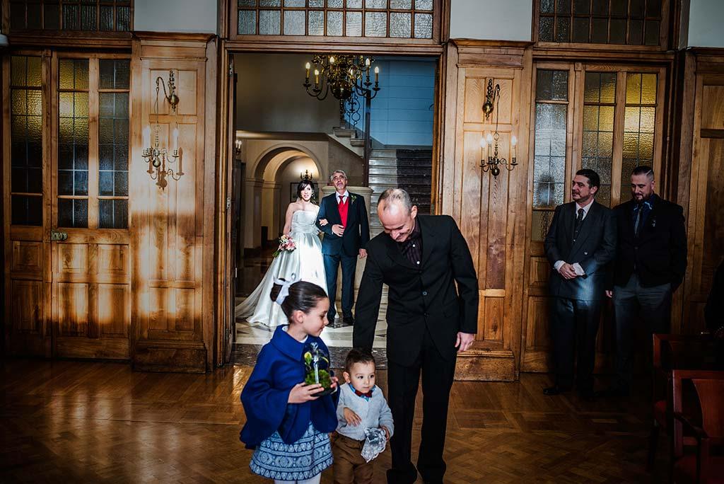 fotografo de bodas en Cantabria Maria y Borja entrada novia