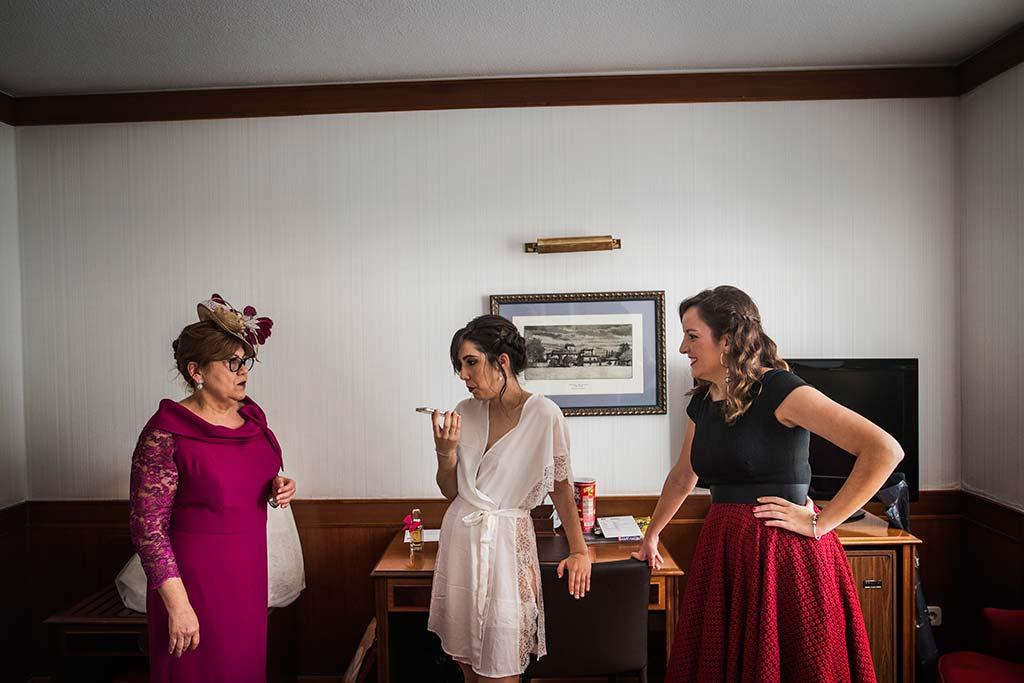 fotografo de bodas en Cantabria Maria y Borja espera