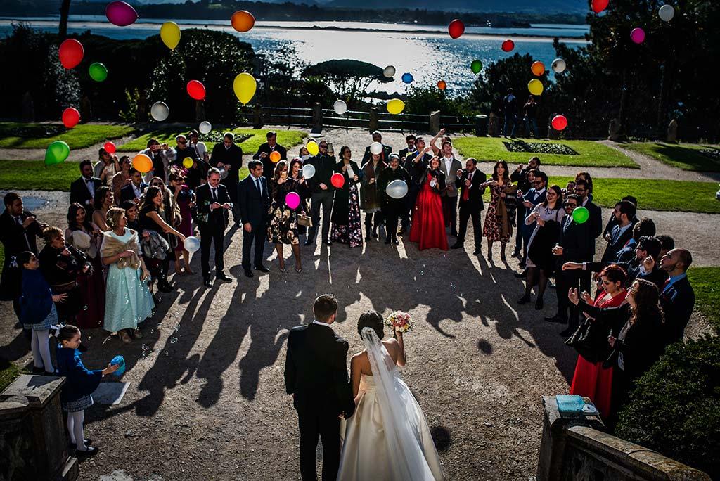 fotografo de bodas en Cantabria Maria y Borja globos