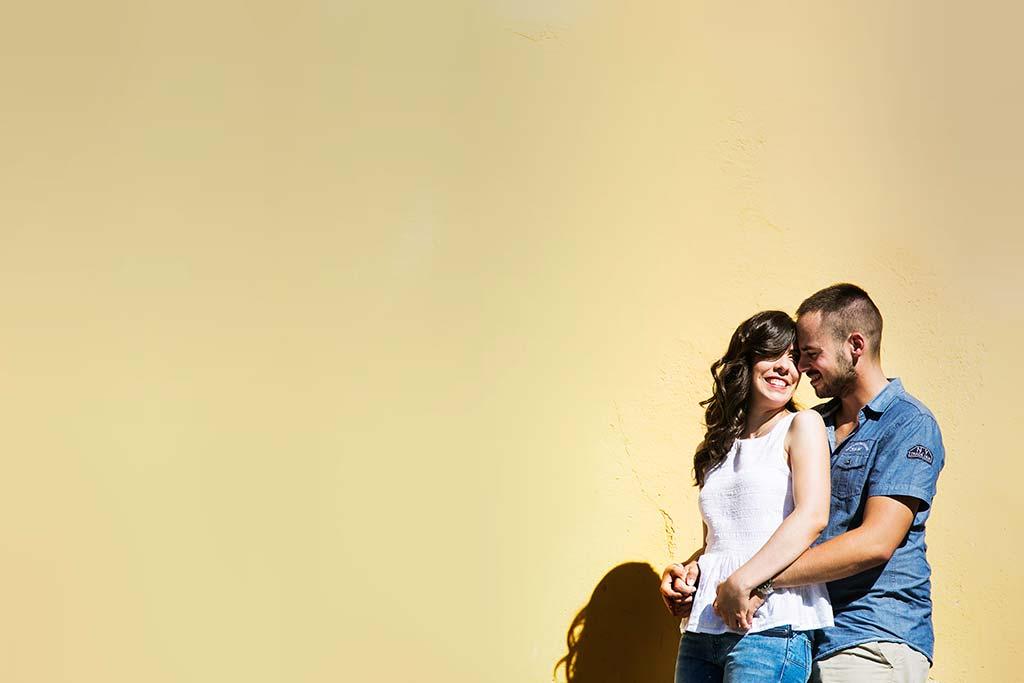 fotografo de bodas en Cantabria Maria y Borja prebboda amarillo