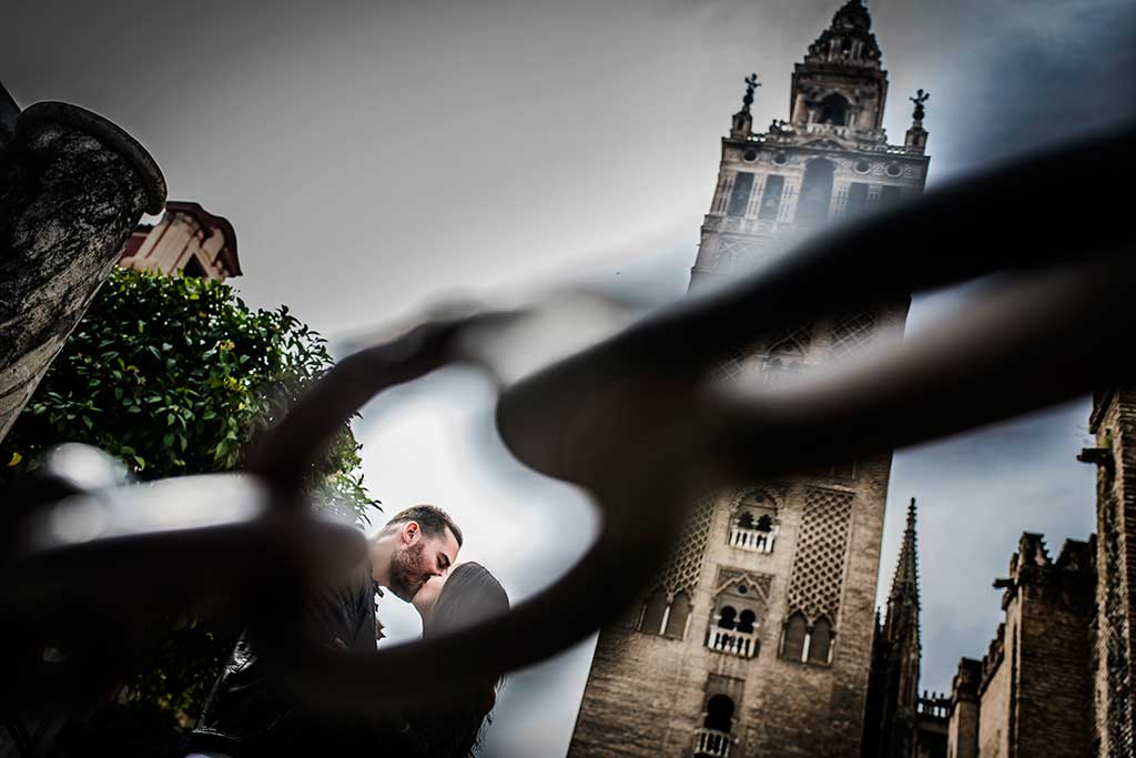 Fotógrafo de bodas Sevilla Marcos Greiz Giralda cadena