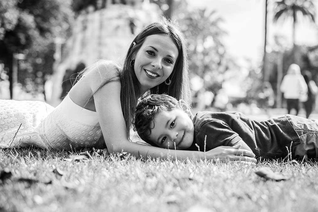 fotos de niños Cantabria Marcos Greiz Mateo con mama