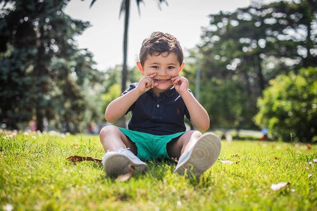 fotos de niños Cantabria Marcos Greiz Mateo risa