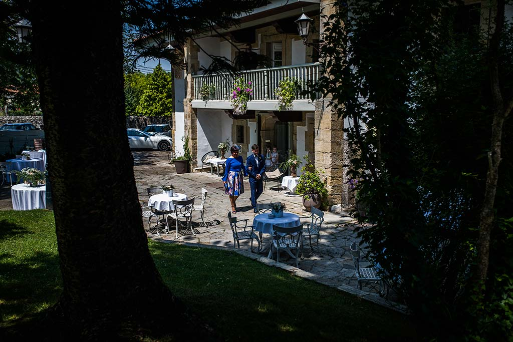 Fotógrafo de bodas Cantabria Marcos Greiz Ane y Felix entrada novio