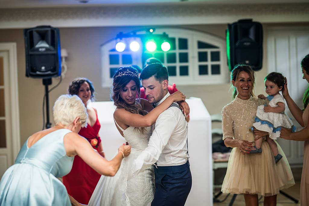 Fotógrafo de bodas Cantabria Marcos Greiz Ane y Felix fiesta novios
