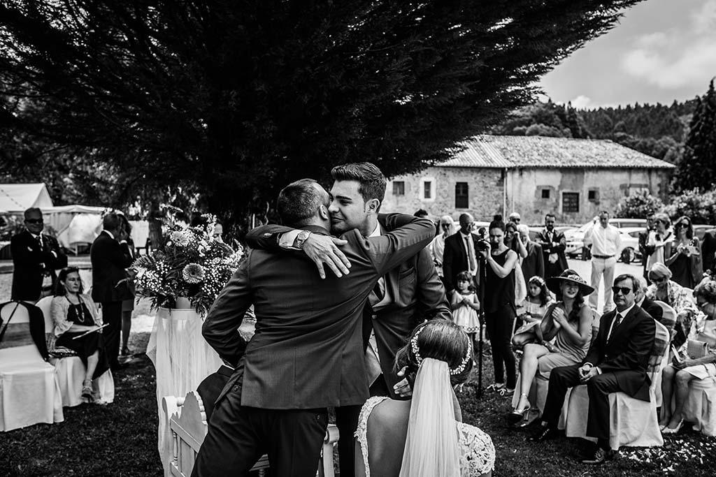 Fotógrafo de bodas Cantabria Marcos Greiz Rebeca y Pablo amigo