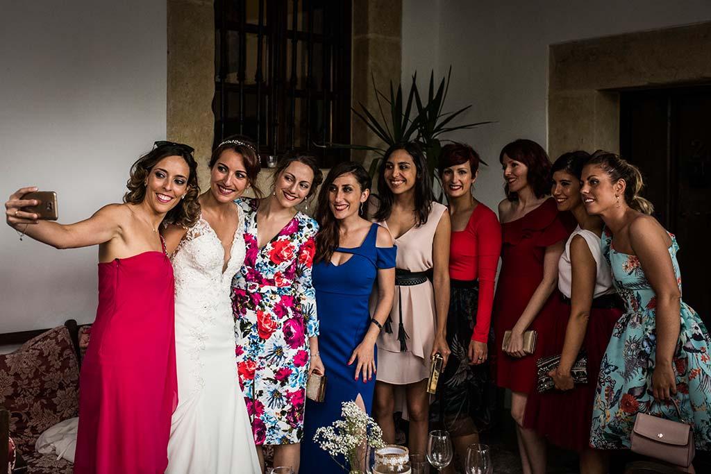 Fotógrafo de bodas Cantabria Marcos Greiz Rebeca y Pablo amigas novia