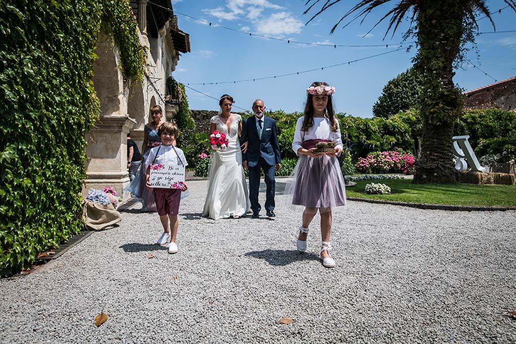 Fotógrafo de bodas Cantabria Marcos Greiz Rebeca y Pablo entrada novia