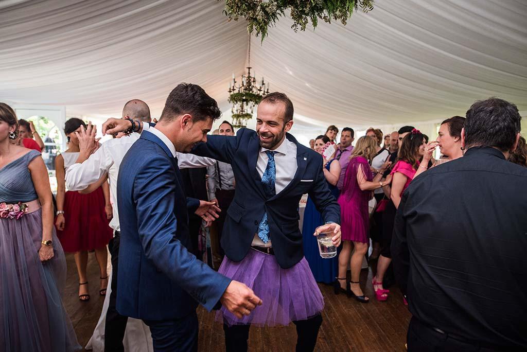 Fotógrafo de bodas Cantabria Marcos Greiz Rebeca y Pablo falda