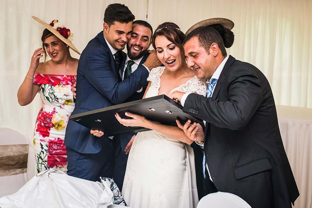 Fotógrafo de bodas Cantabria Marcos Greiz Rebeca y Pablo regalos