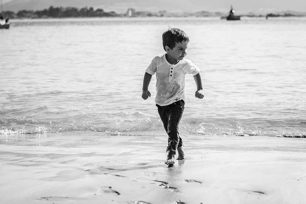 fotos de niños Santander Marcos Greiz Alex playa correr