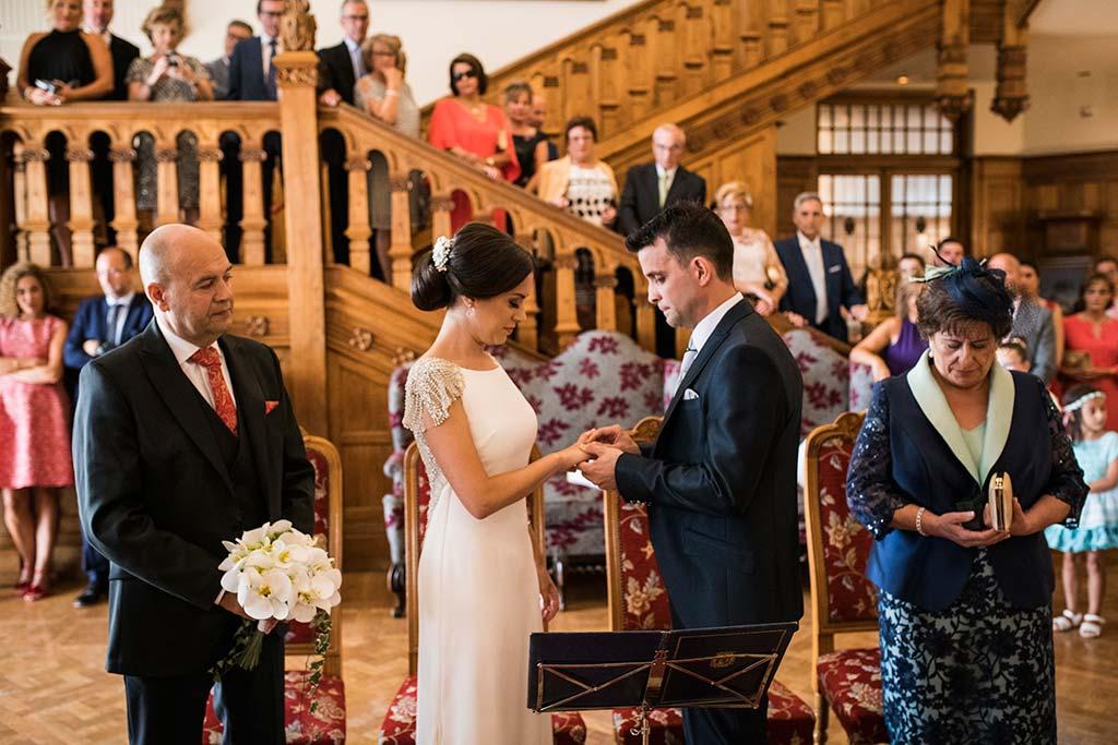 fotografo de bodas Santander Marcos-Greiz Cecilia y Saúl anillos