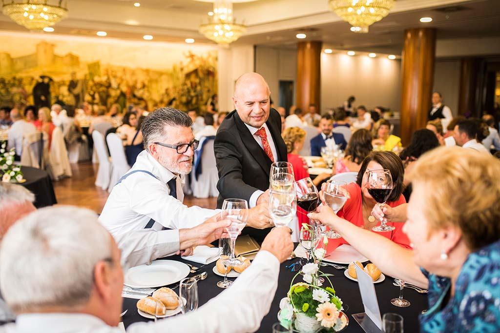 fotografo de bodas Santander Marcos-Greiz Cecilia y Saúl brindis
