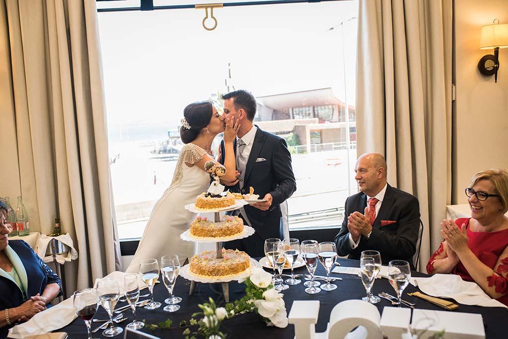 fotografo de bodas Santander Marcos-Greiz Cecilia y Saúl tarta