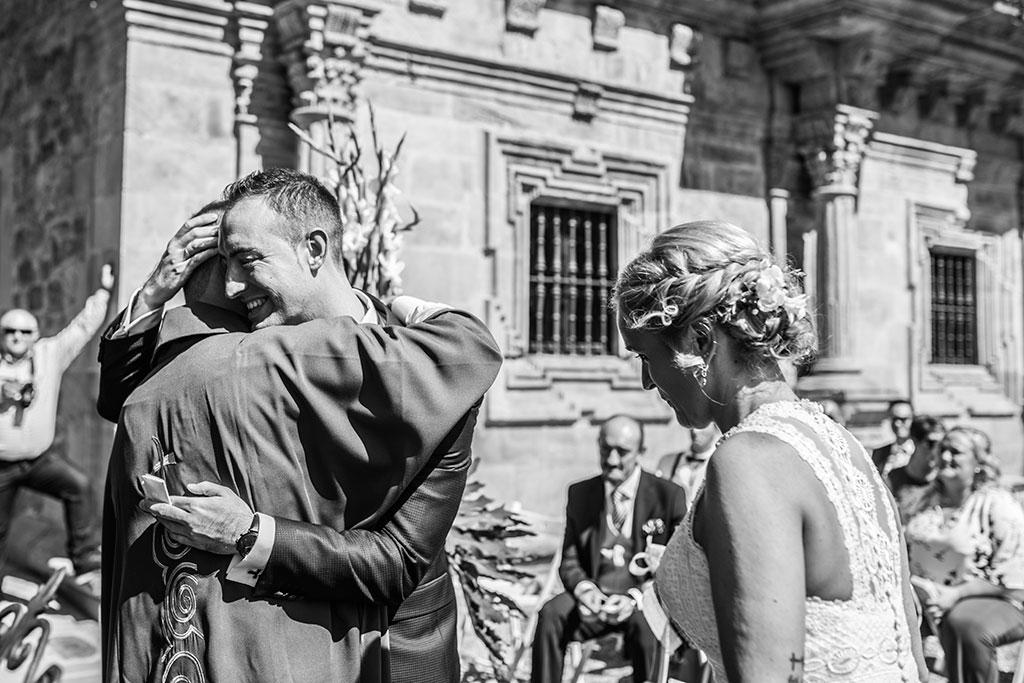 Fotografos de boda Cantabria Maria Aaron Marcos Greiz abrazo