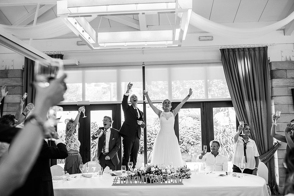 Fotografos de boda Cantabria Maria Aaron Marcos Greiz brindis