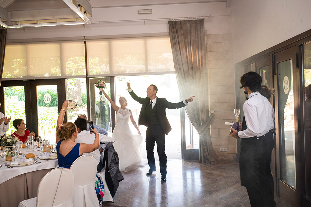 Fotografos de boda Cantabria Maria Aaron Marcos Greiz entrada comedor