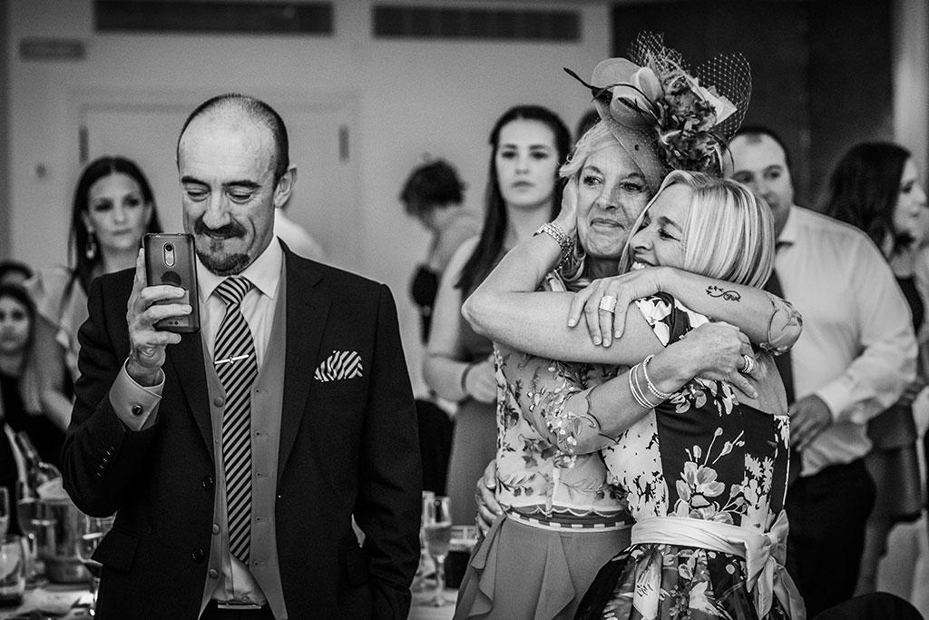 Fotografos de boda Cantabria Maria Aaron Marcos Greiz emociones mama