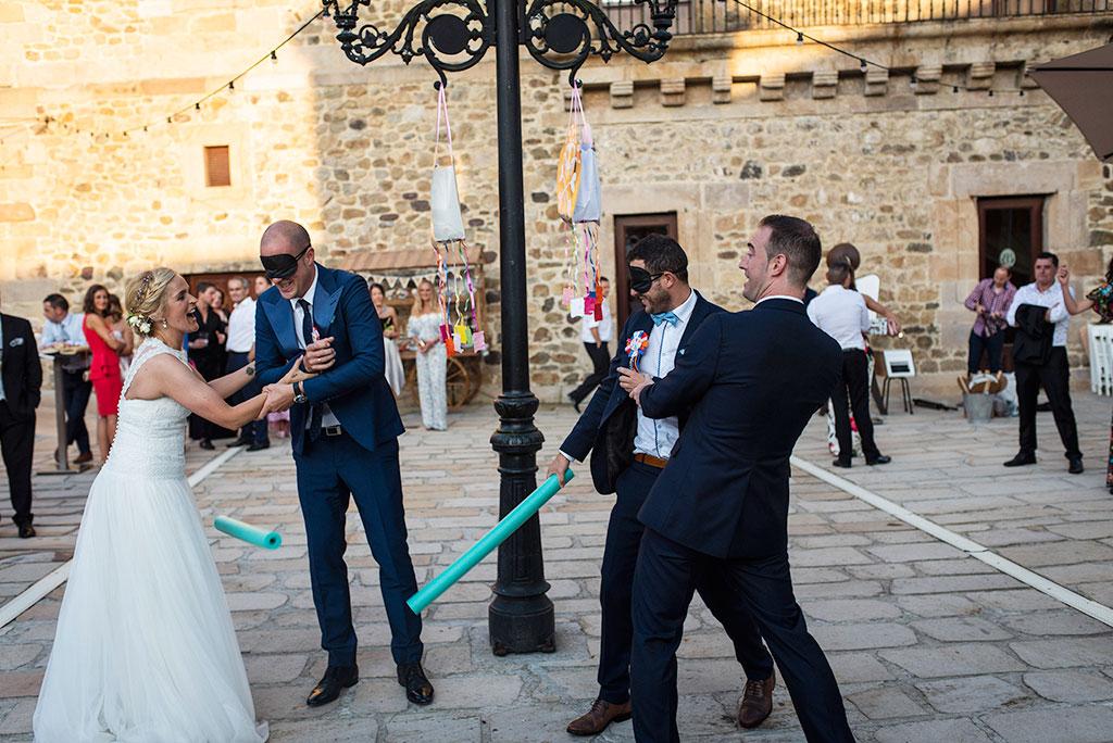 Fotografos de boda Cantabria Maria Aaron Marcos Greiz piñata