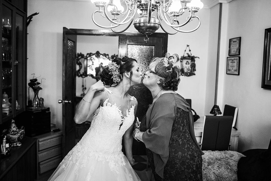 fotógrafo de bodas Santander Marcos Greiz Maria y Javi besito