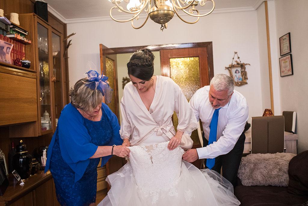 fotógrafo de bodas Santander Marcos Greiz Maria y Javi vestirse