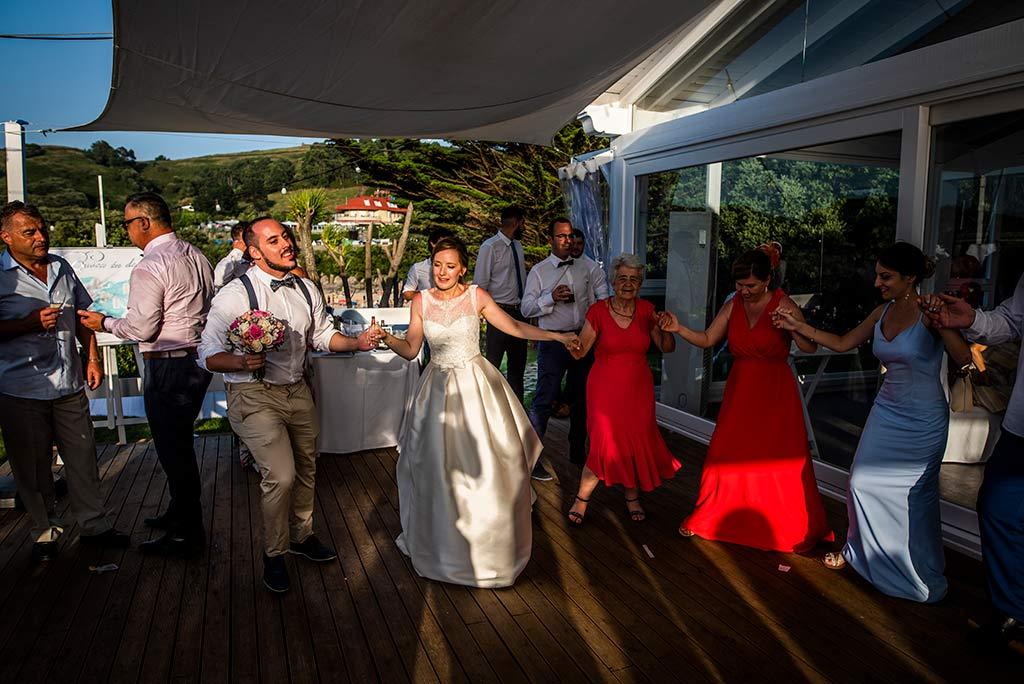 fotografo bodas Santander Magy Ivan fiesta invitados