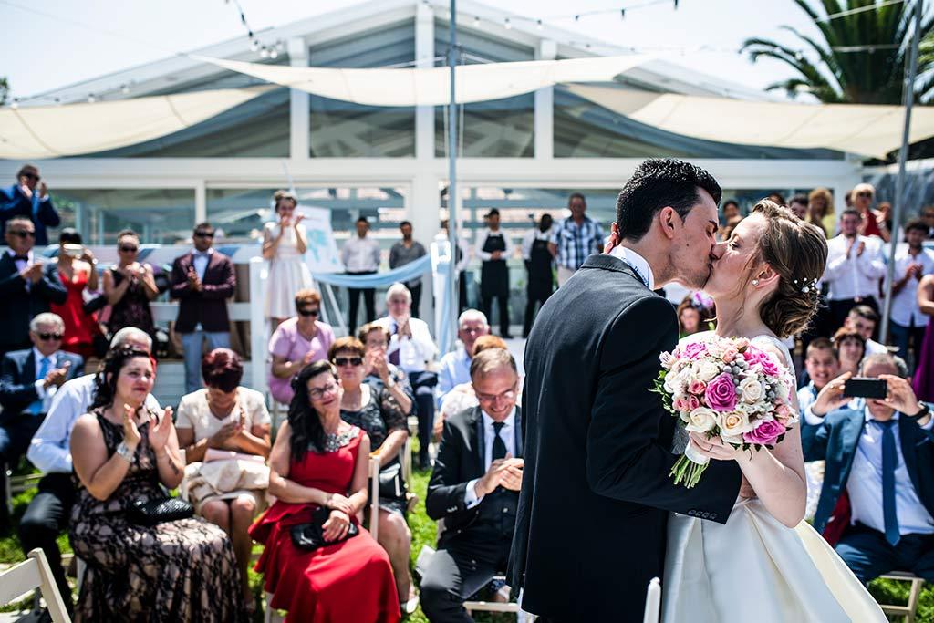 fotografo bodas Santander Magy Ivan primer beso