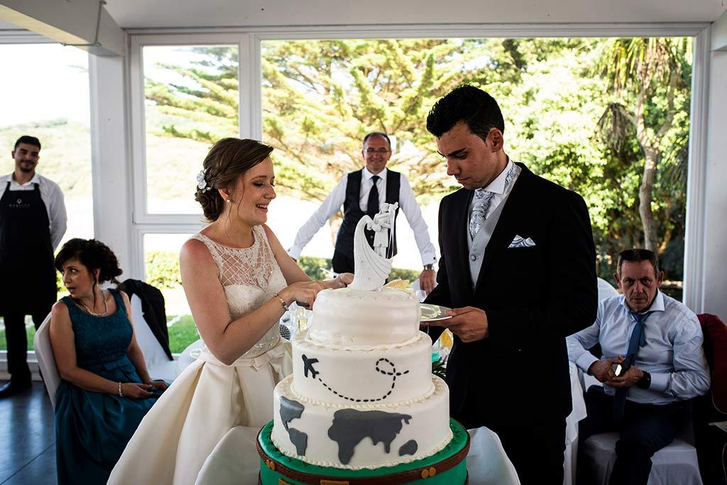 fotografo bodas Santander Magy Ivan tarta novios