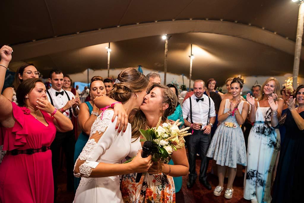fotógrafo de bodas Cantabria Ana y Mario amiga